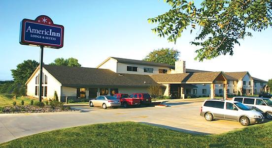 AmericInn by Wyndham Kewanee: 925 Tenney Street, Kewanee, IL