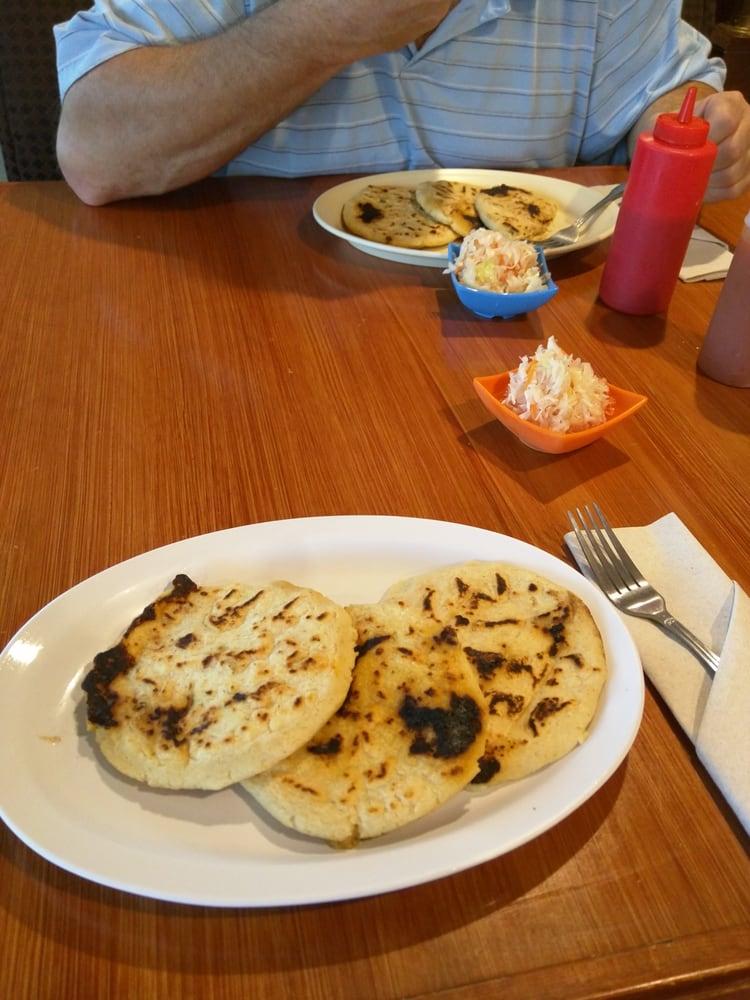 Restaurante Usuluteco: 2265 S Seneca St, Wichita, KS