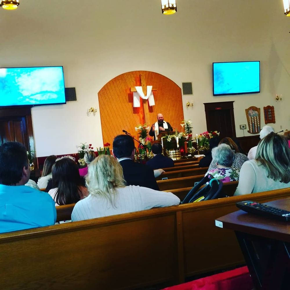 Canfield Christian Church: 123 S Broad St, Canfield, OH