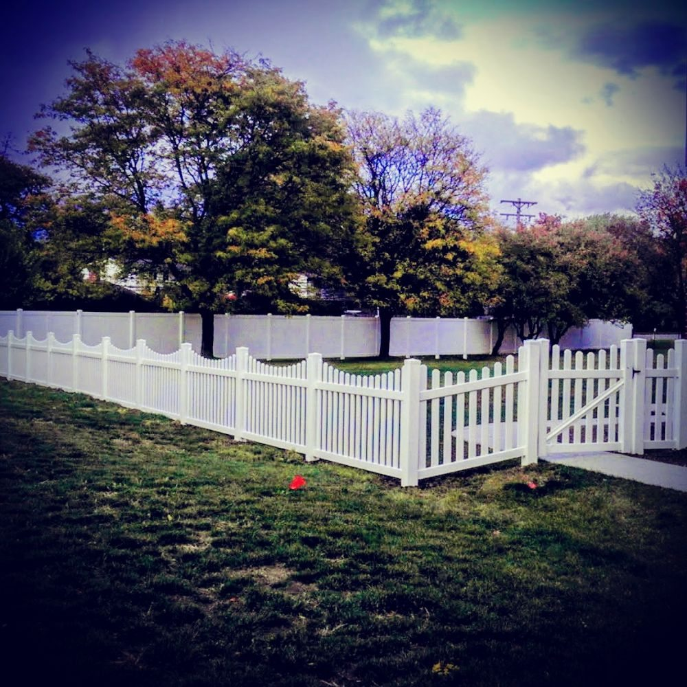 Vinyl Solid Picket Fence With Photo Of Paramount Fence Royal Oak Mi United States Vinyl Scalloped Picket Fence Combined With Vinyl Solid Privacy