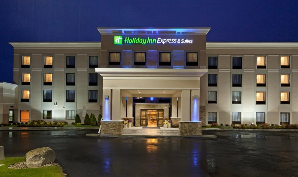 Holiday Inn Express & Suites Malone: 3351 State Rte 11, Malone, NY