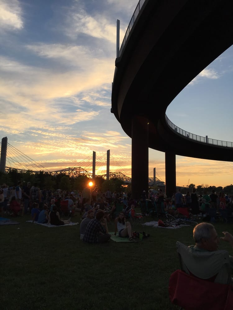 WFPK Waterfront Wednesday: 129 E River Rd, Louisville, KY