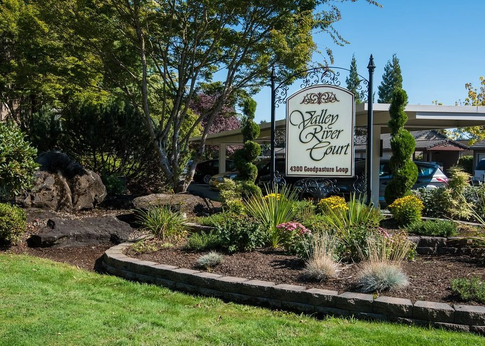 Valley River Court Apartments Eugene Or