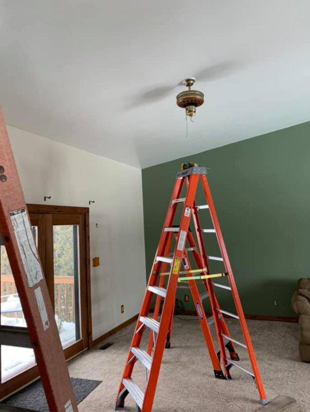 Delt's Electric: 1422 E Lincoln Hwy, DeKalb, IL
