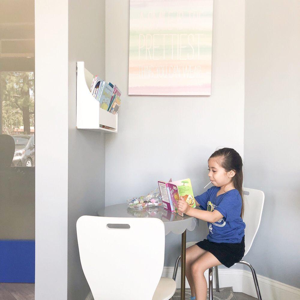 دندانپزشکی اطفال آفتاب