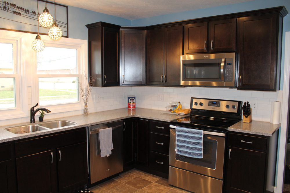 Midwest Remodeling: 8575 S State Rd 9, Pendleton, IN