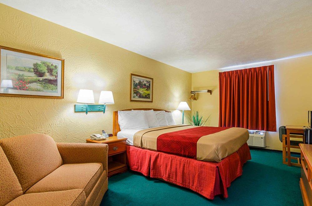 Econo Lodge Lansing - Leavenworth