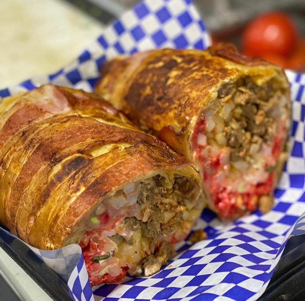 Ozzies Street Tacos: 18484 Valley Blvd, Bloomington, CA