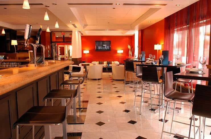 Cafe Nicole Restaurant & Bar