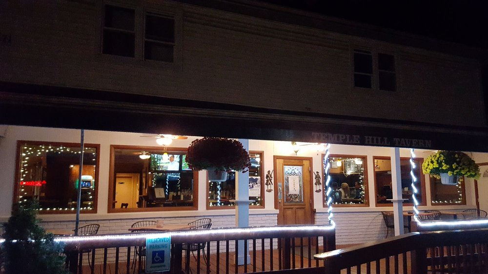 Temple Hill Tavern & Catering: 171 Temple Hill Rd, New Windsor, NY