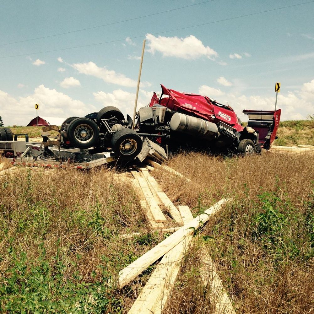 Steel's Wrecker Service: 706 W State Highway 3, Broken Bow, OK