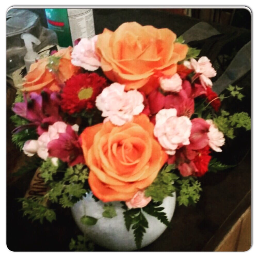 Brown Floral & Creations: 2380 8th Ave, Plattsmouth, NE