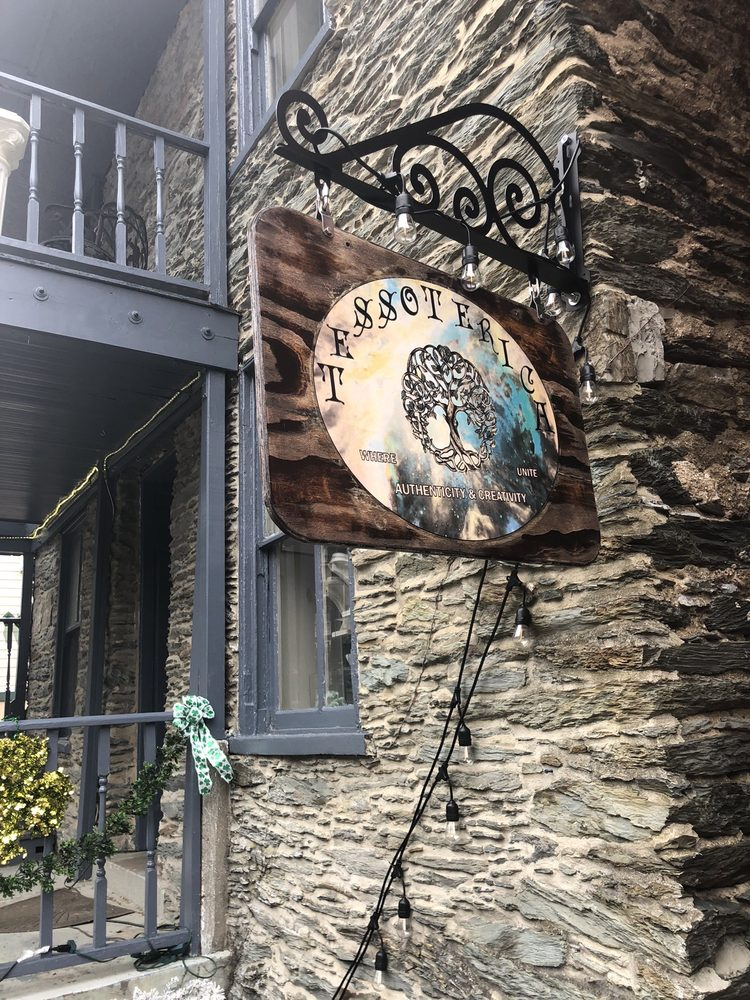 Tessoterica: 170 B High St, Harpers Ferry, WV