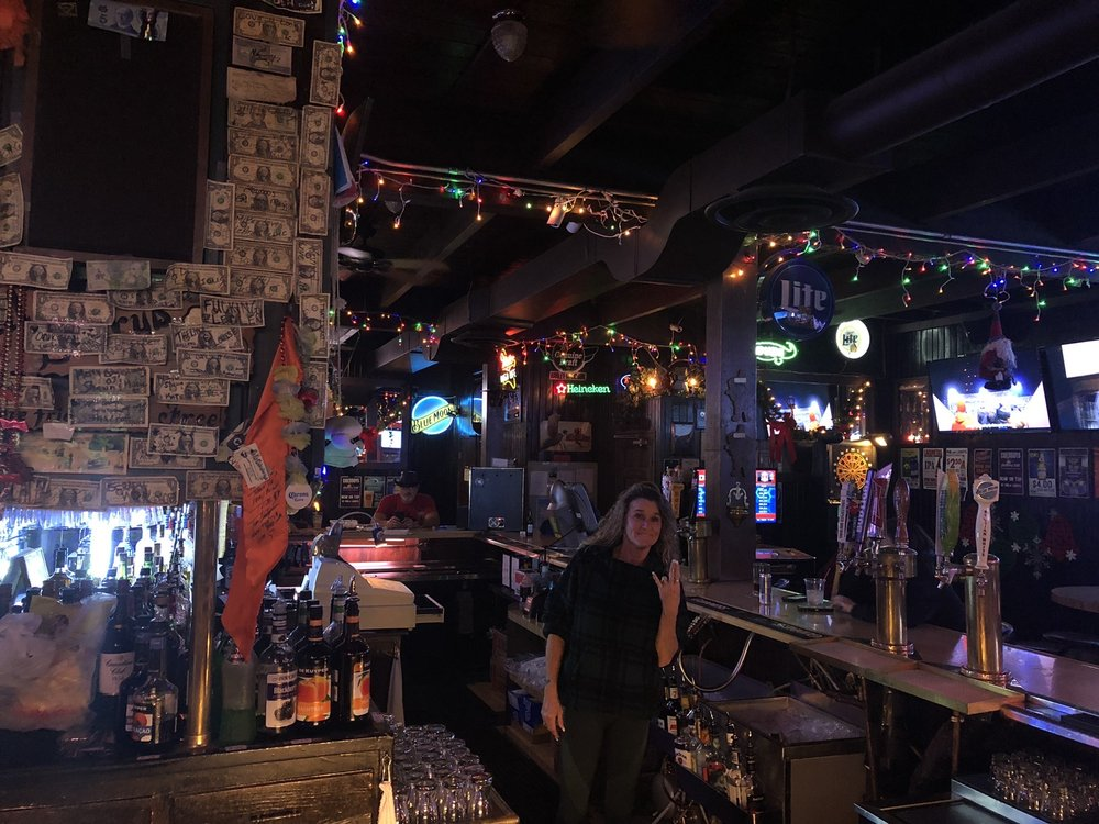 Phil & Larry's Saloon: 4811 N Brady St, Davenport, IA