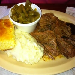 Photo Of Carver S Country Kitchen Atlanta Ga United States Brisket With Mashed