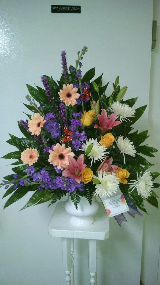 Mystical Gardens Flower Shop/Palmetto Florist: 4576 New Jesup Hwy, Brunswick, GA