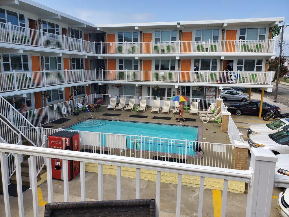 Sundance Vacations: 140 Airport Beltway, Hazleton, PA
