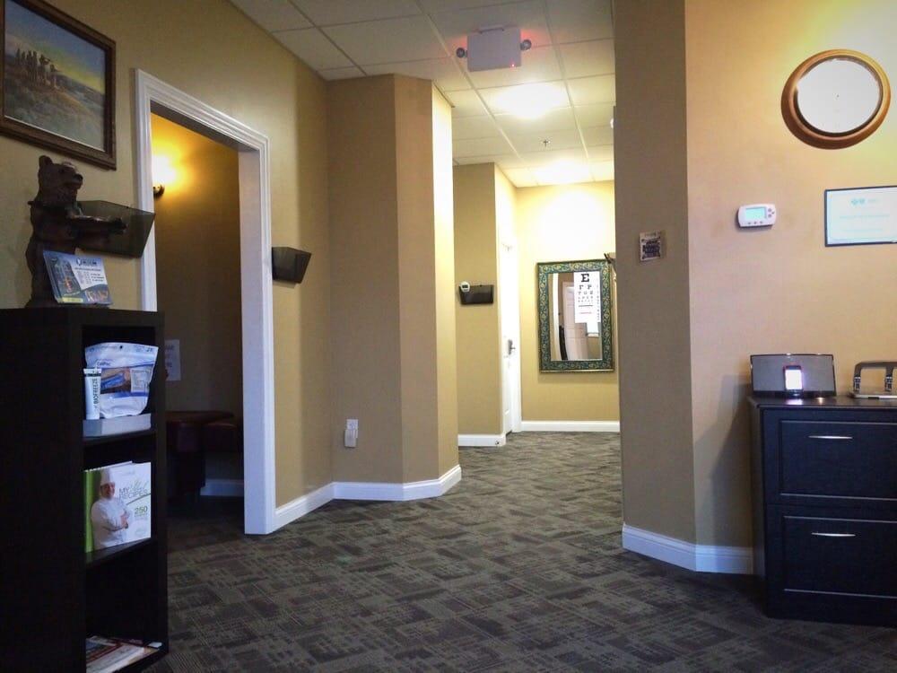 Dakota Back & Neck Clinic: 105 9th Ave SE, Watford City, ND