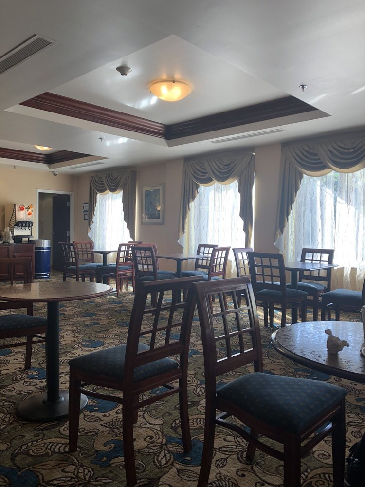 Holiday Inn Express Bentleyville: 25 Smita Ln, Bentleyville, PA