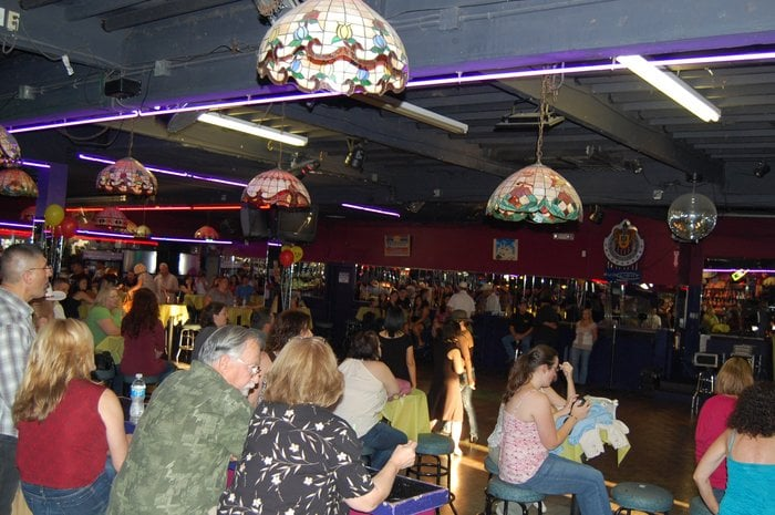 The Crowd Learning How To Line Dance Before A Krty Free