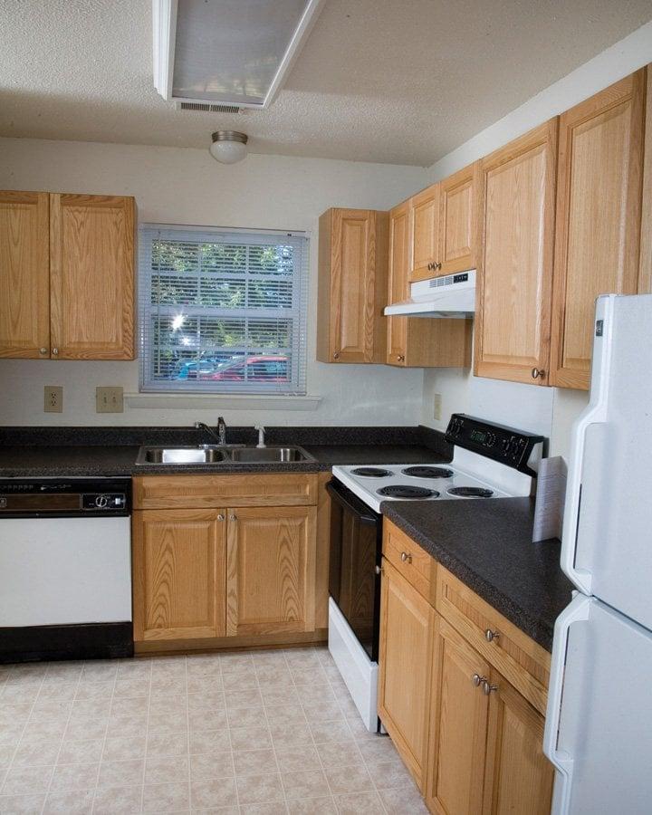Western Ridge Apartments: Laurel Ridge Apartments