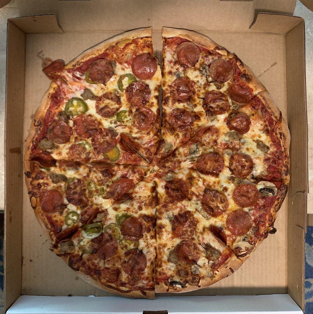 DiMaggio's Pizza & Pasta: 28 14th Ave NE, Saint Cloud, MN