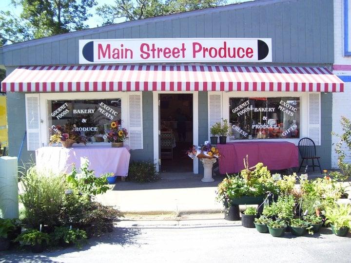 Main Street Produce: 100 NE Main St, Littleton, NC