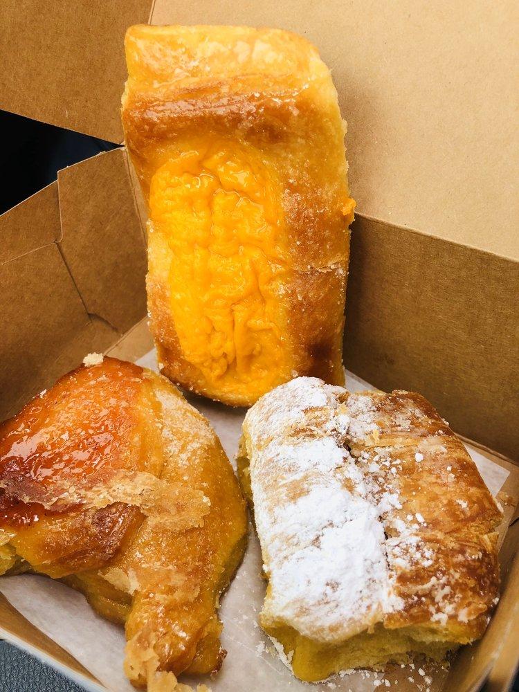 Tango Pastry: 6100 Richmond Hwy, Alexandria, VA