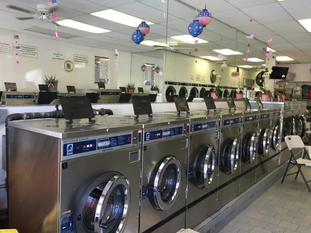 Bayside Family Laundromat: 212-05 48th Ave, Flushing, NY