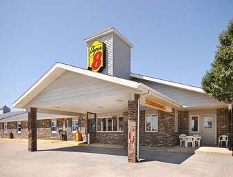 Super 8 by Wyndham Adair IA: 111 S 5th Street, Adair, IA