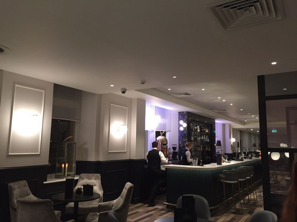 Hilton Nineteen Hundred Bar