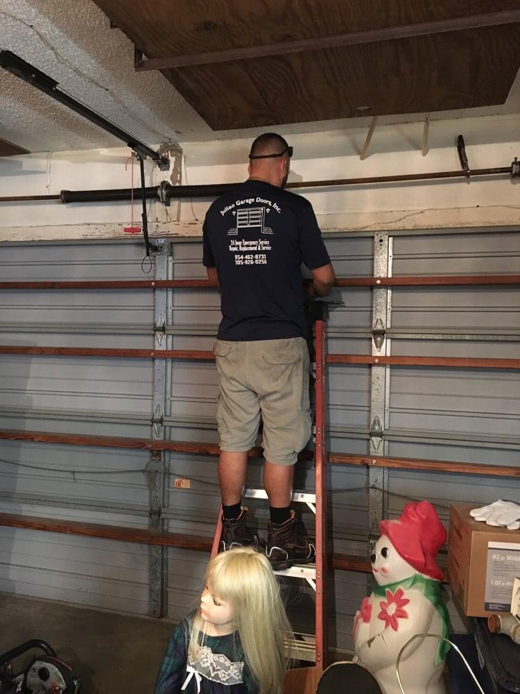 Juliao garage doors 22 foto e 18 recensioni servizi for 2 piedi quadrati per garage