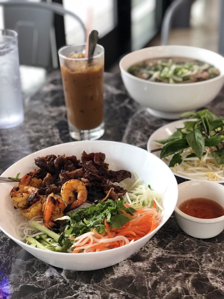 Pho Yes: 11300 Hwy 290 E, Manor, TX
