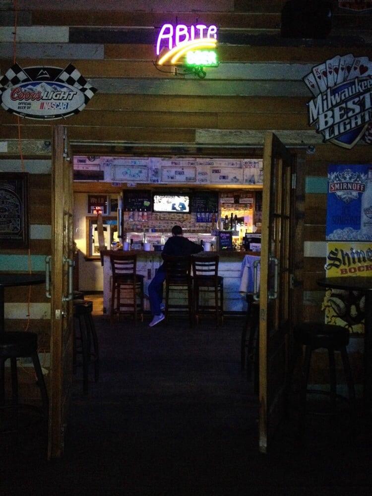 Side Porch Daiquiris Bar: 6641 La Highway 1 S, Addis, LA