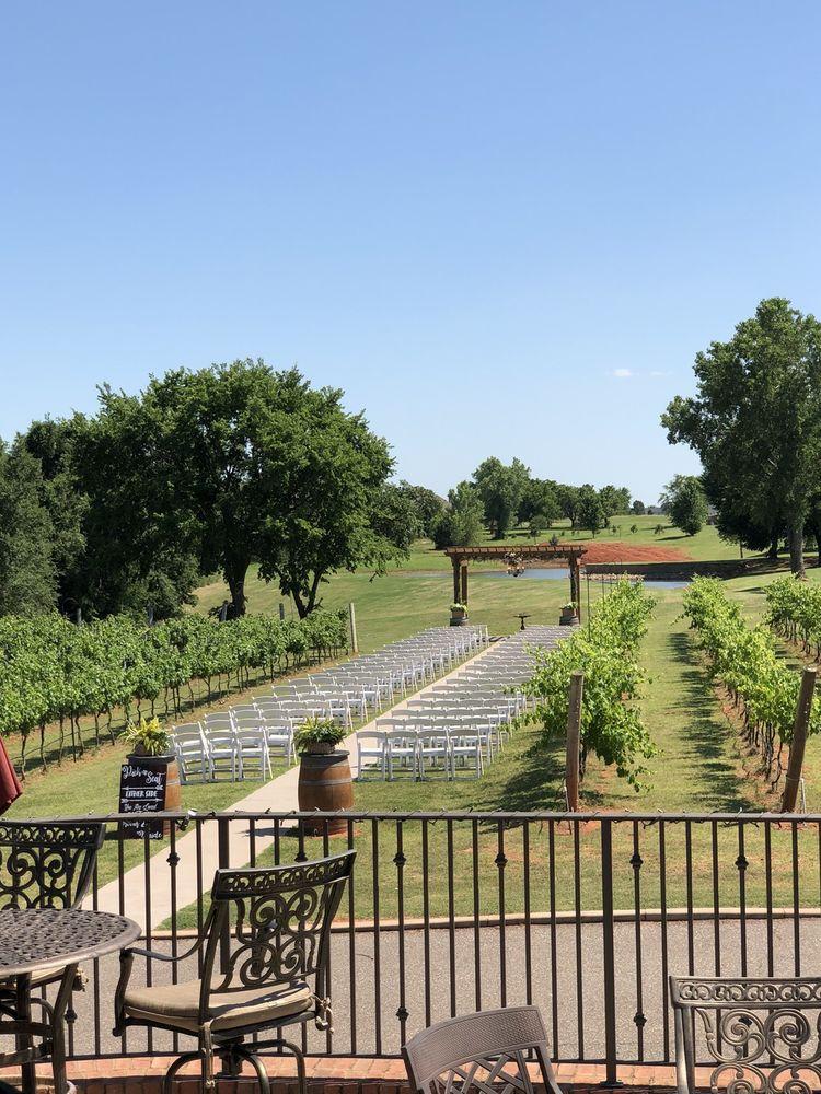 Social Spots from Clauren Ridge Vineyard and Winery