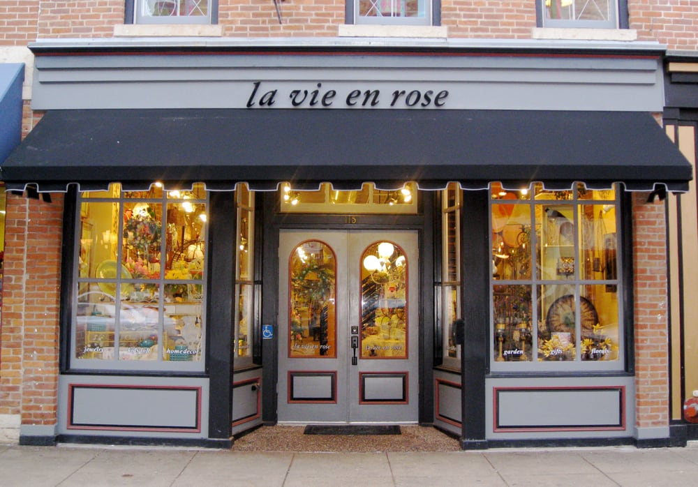 La Vie en Rose: 115 N Main St, Galena, IL