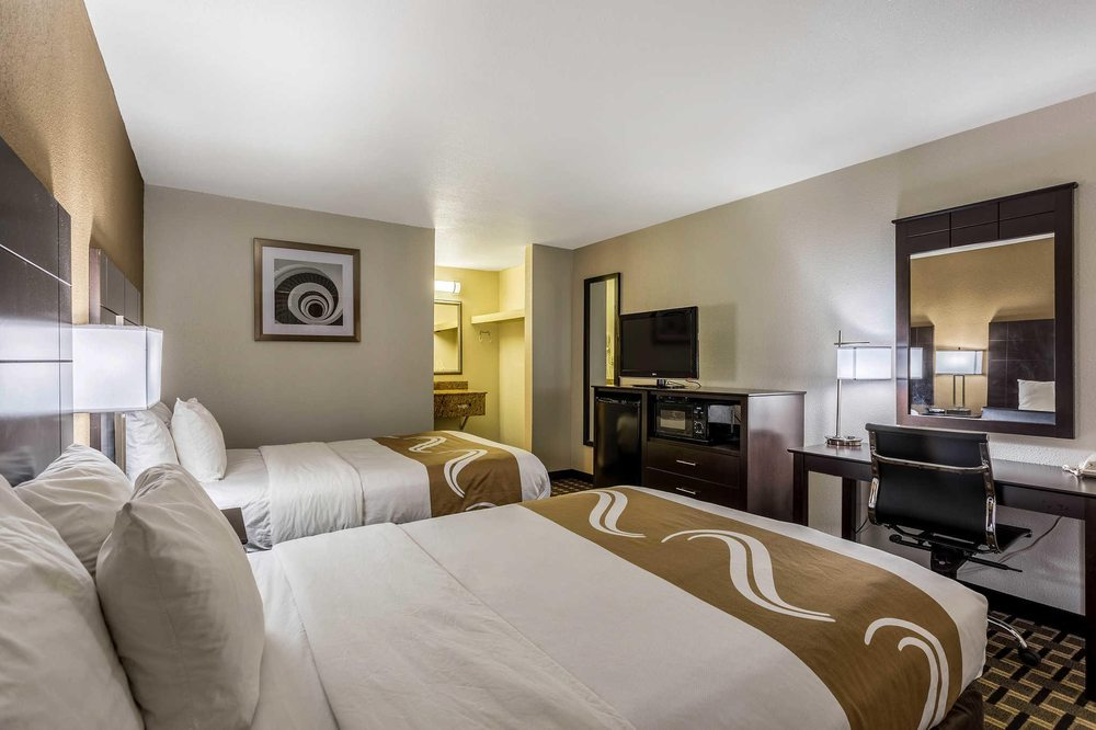 Quality Inn: 1190 N Gloster St, Tupelo, MS