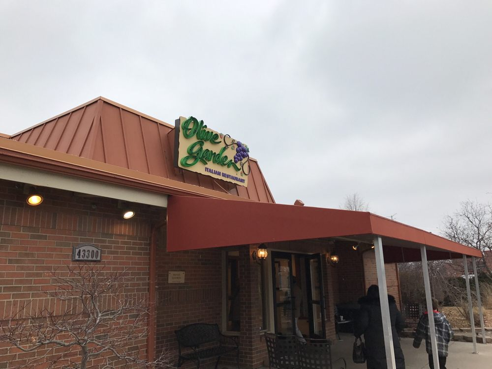 photo of olive garden italian restaurant novi mi united states - Olive Garden Novi