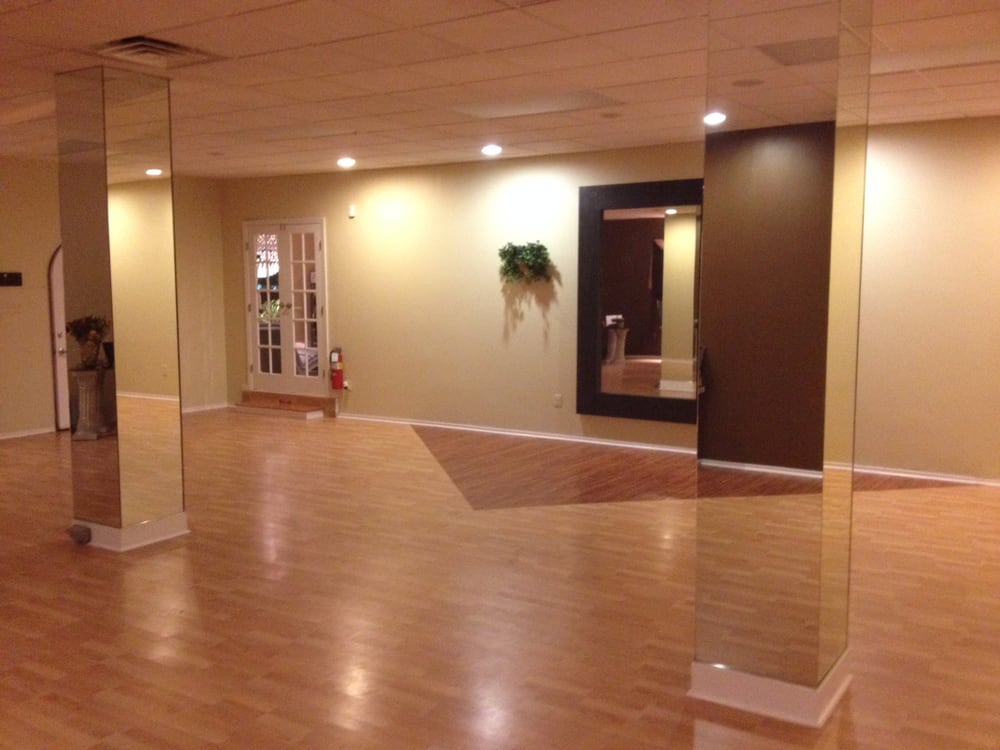 Storm Ballroom Dance Centre: 300 White Horse Rd, Voorhees, NJ