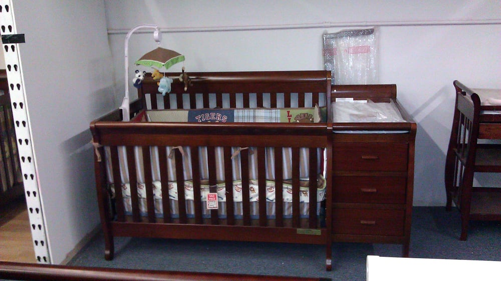 kimberly crib crib converts to toddler day and full size bed for teenager attached changer. Black Bedroom Furniture Sets. Home Design Ideas