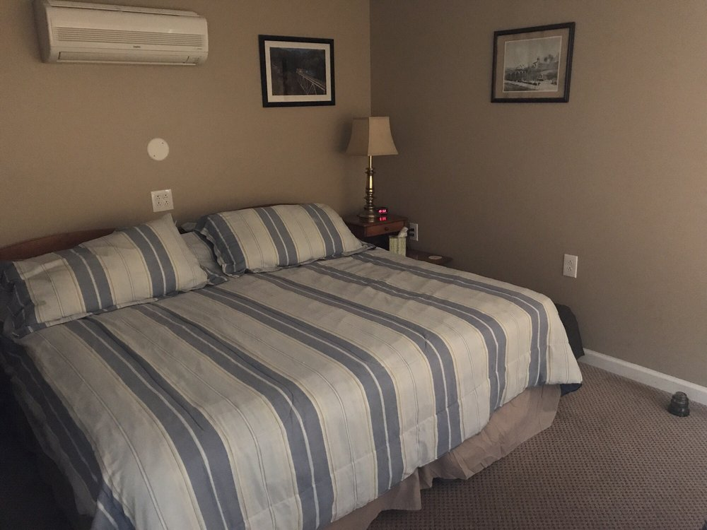 Bridgeview Bed and Breakfast: 810 S Main St, Marysville, PA