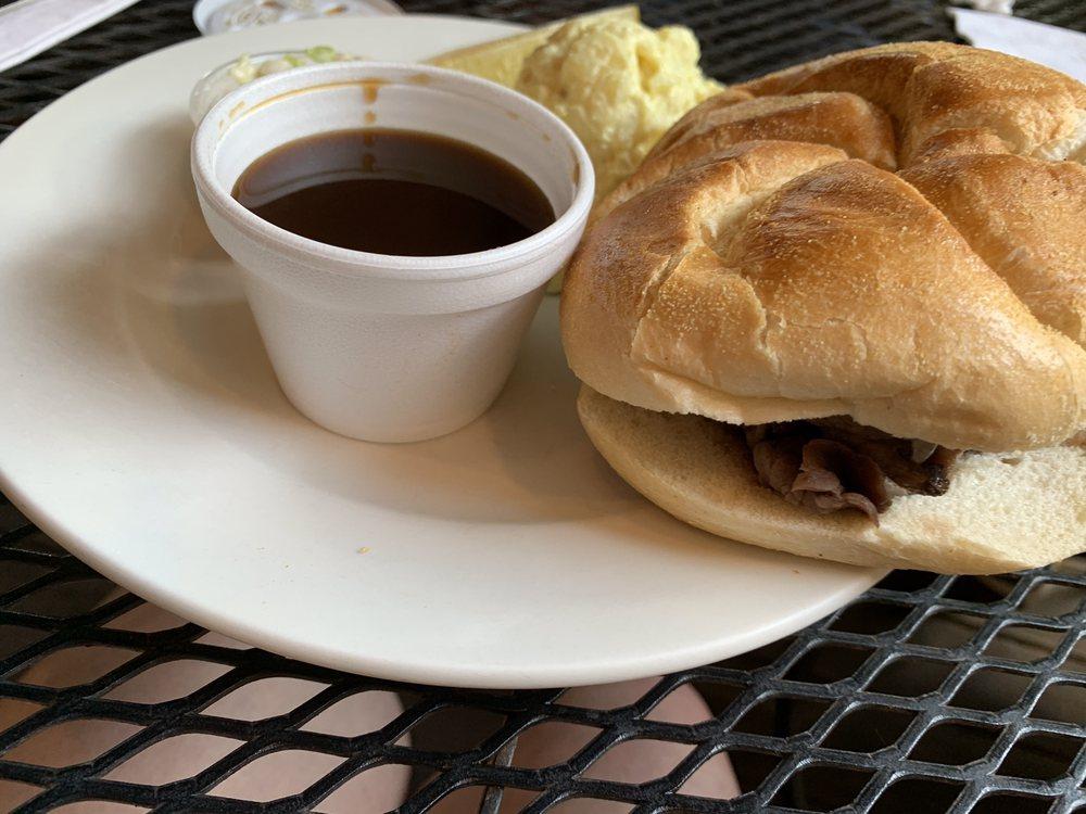 Garden Deli Restaurant: 107 Town Sq, Burnsville, NC
