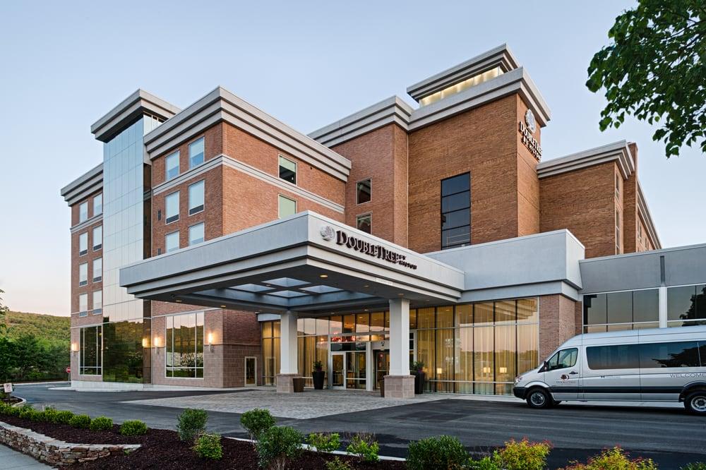 DoubleTree by Hilton Hotel Bristol, Connecticut: 42 Century Dr, Bristol, CT