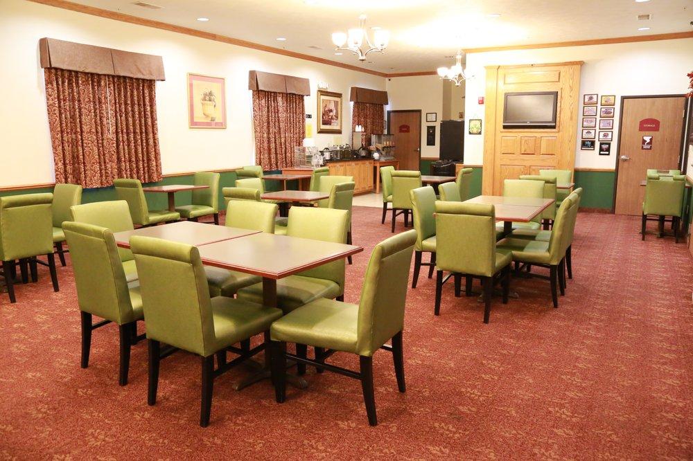 Horizon Inn & Suites: 301 Plaza Dr, West Point, NE