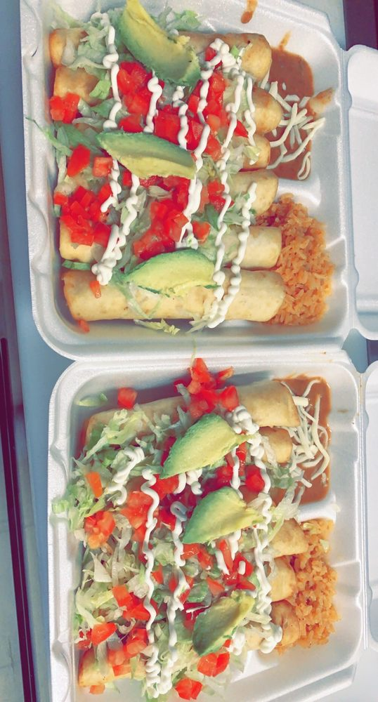 Blue Plate Tacos: 3731 S Beaumont Ave, Kansasville, WI
