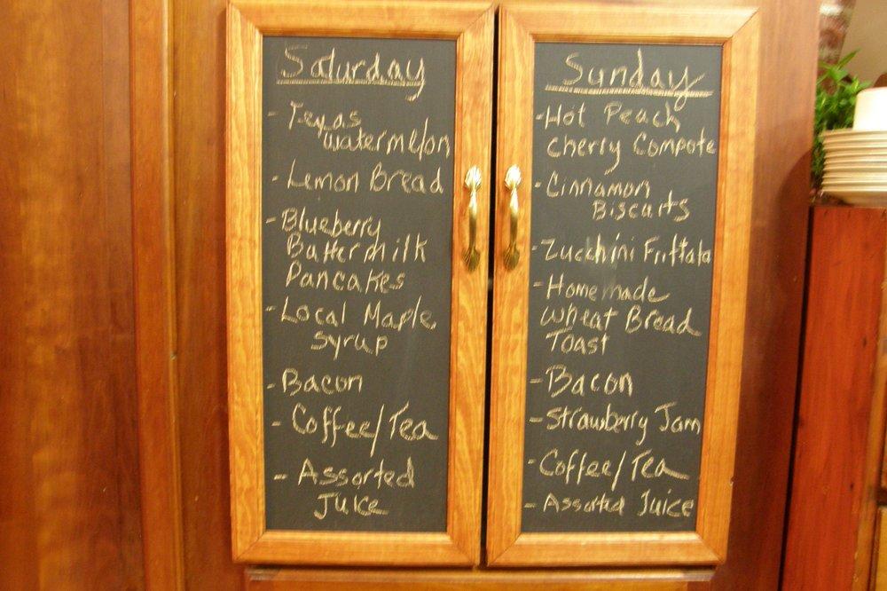 Brookside Manor Bed & Breakfast: 3728 Rt 83, Fredonia, NY