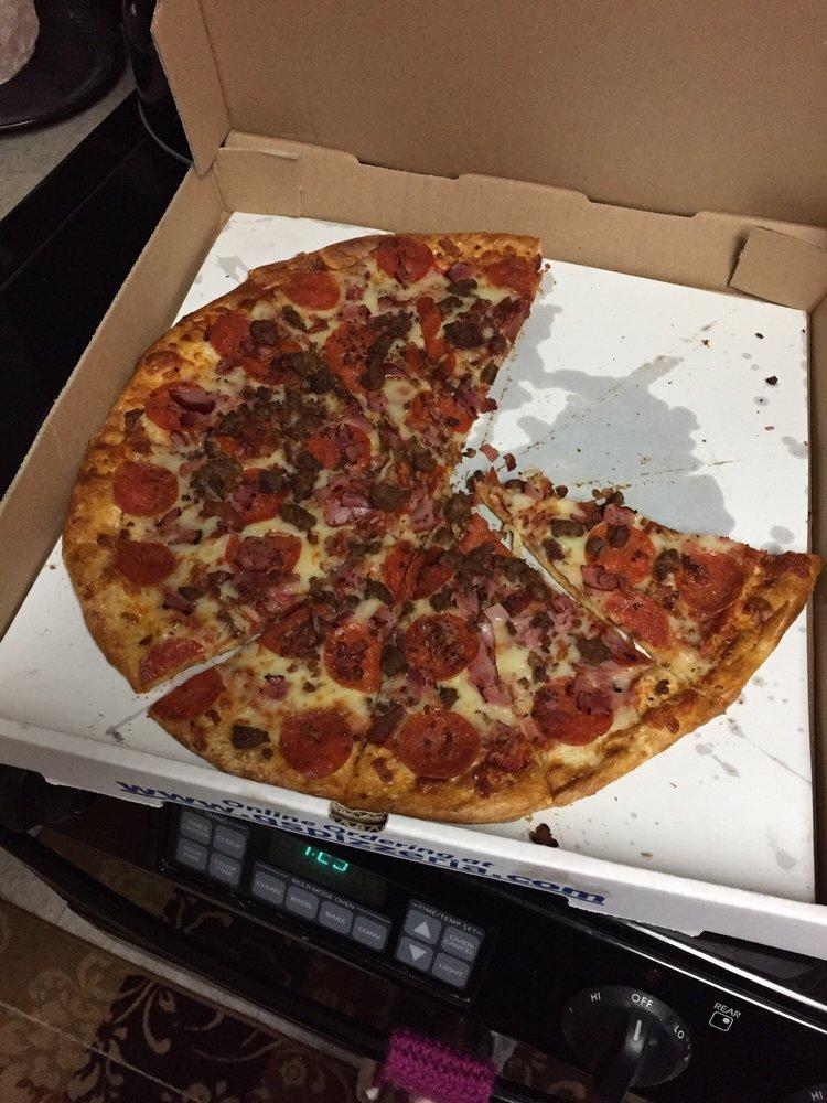 G's Pizza & Deli: 5226 US 23, Oscoda, MI