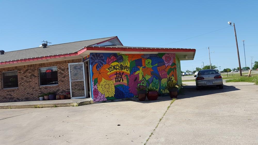 Florentina's Tex Mex Restaurant: 507 N US Hwy 69, Leonard, TX