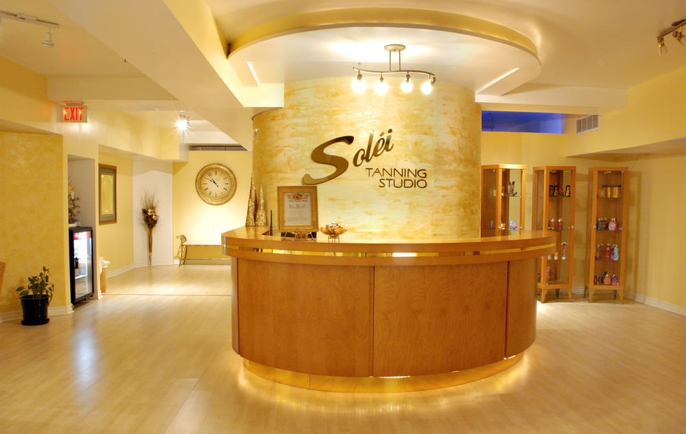 Soleil tanning spa 11 reviews tanning 239 yonge for Soleil tanning salon