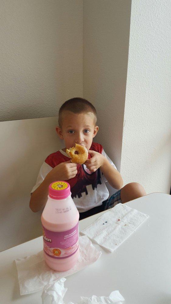 U Donuts: 1810 US Hwy 281, Marble Falls, TX